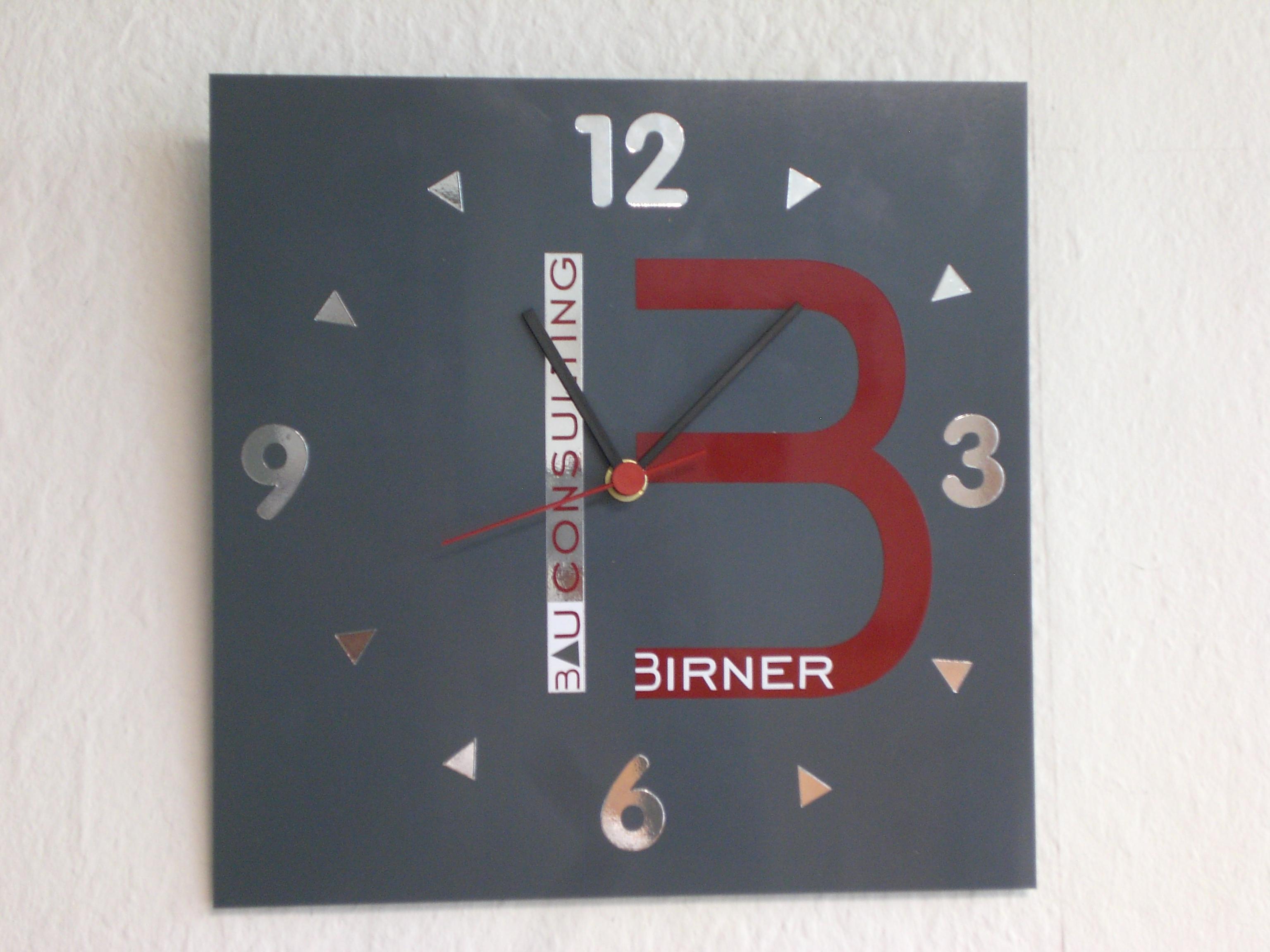 Birner Bau Uhr
