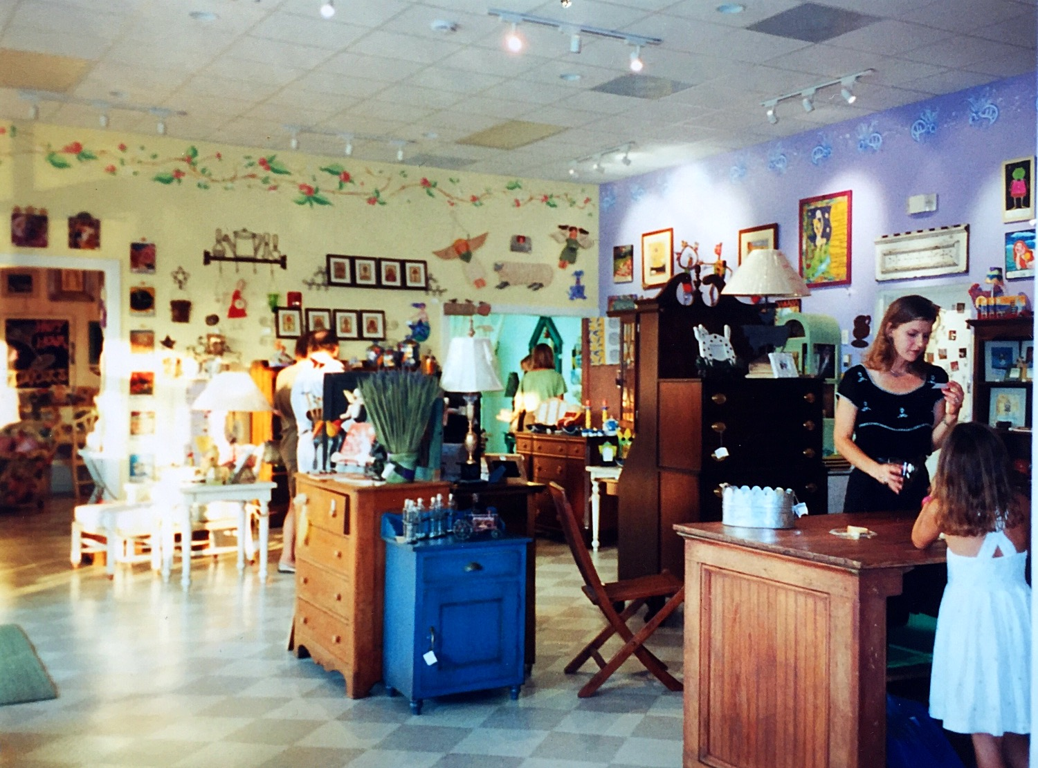 Tinker's, 2004 main showroom
