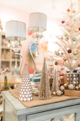 Magical Christmas displays in white, pink and gold at Tinker's in RVA. Special thanks to Chelsea Schmidt Photography.