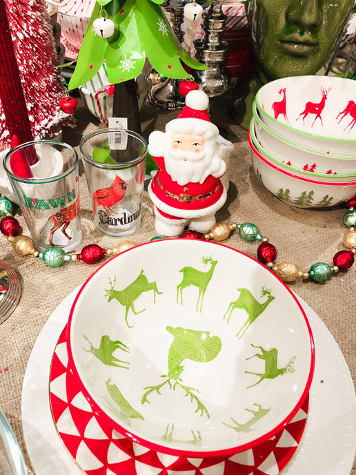dining room red and green holiday party plates