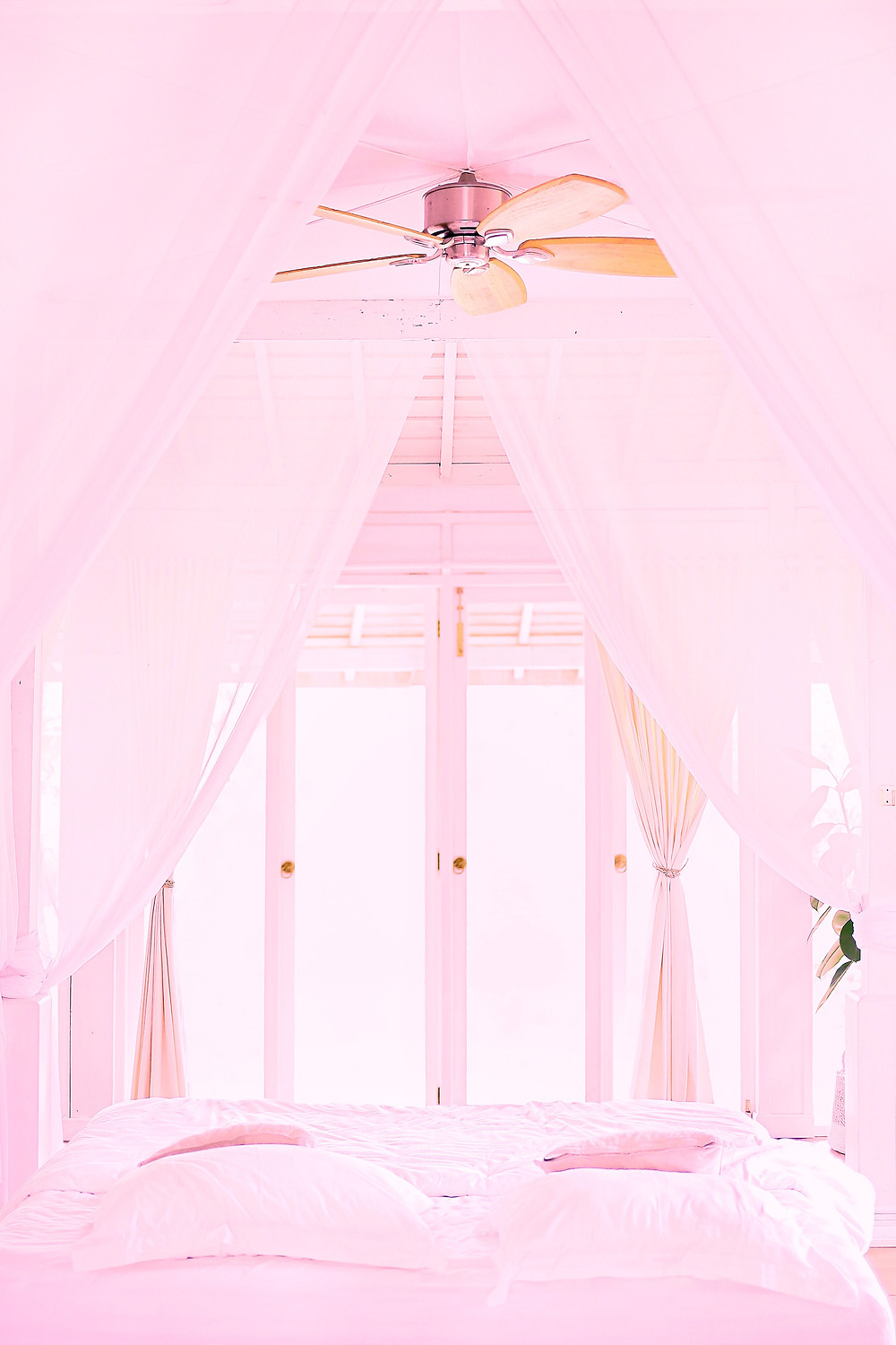 A new perspective on that same white room