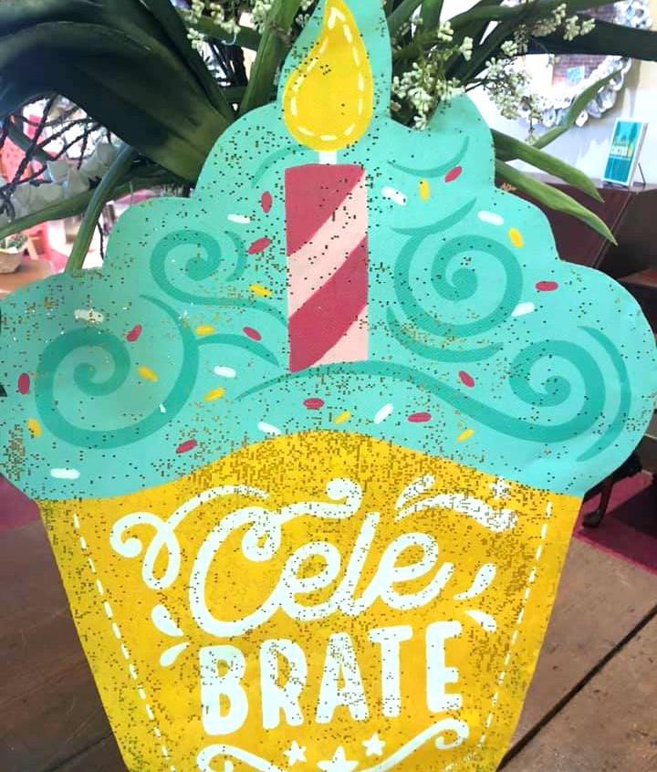 Celebrate cupcake door screen