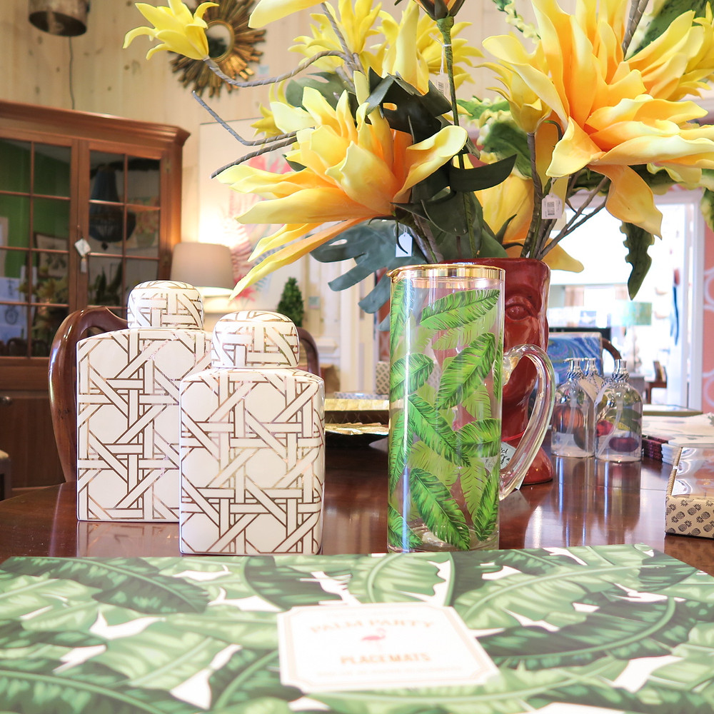 Party Items, Gree Palms, Placemats