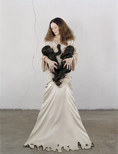Vanessa Beecroft_White Madonna with twin