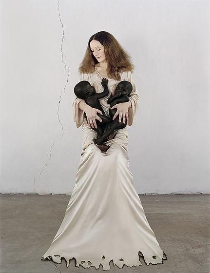 Vanessa Beecroft_White Madonna with twin