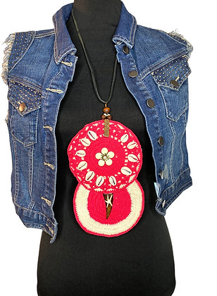 Hot pink crochet crochet bold shelled necklace