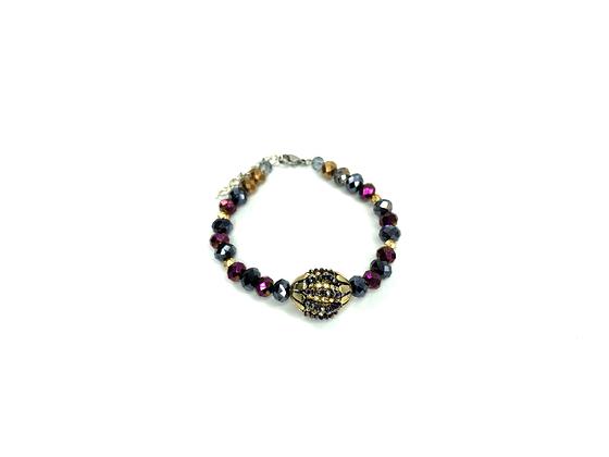 The glitz feel glass bead bracelet