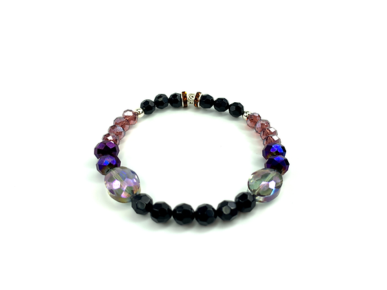 Oh so sexy  beaded glass iridescent shimmering chic bracelet