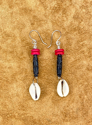 Simplicity Black Shelled Earrings
