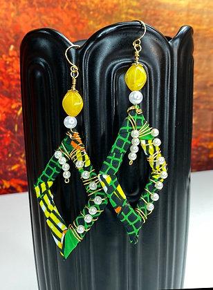 Green Tease Pearly Earrings