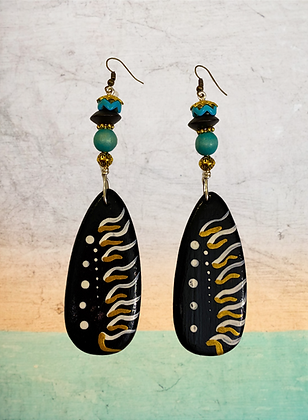 Tribal  Twisted  Wood Style Fashion Earrings