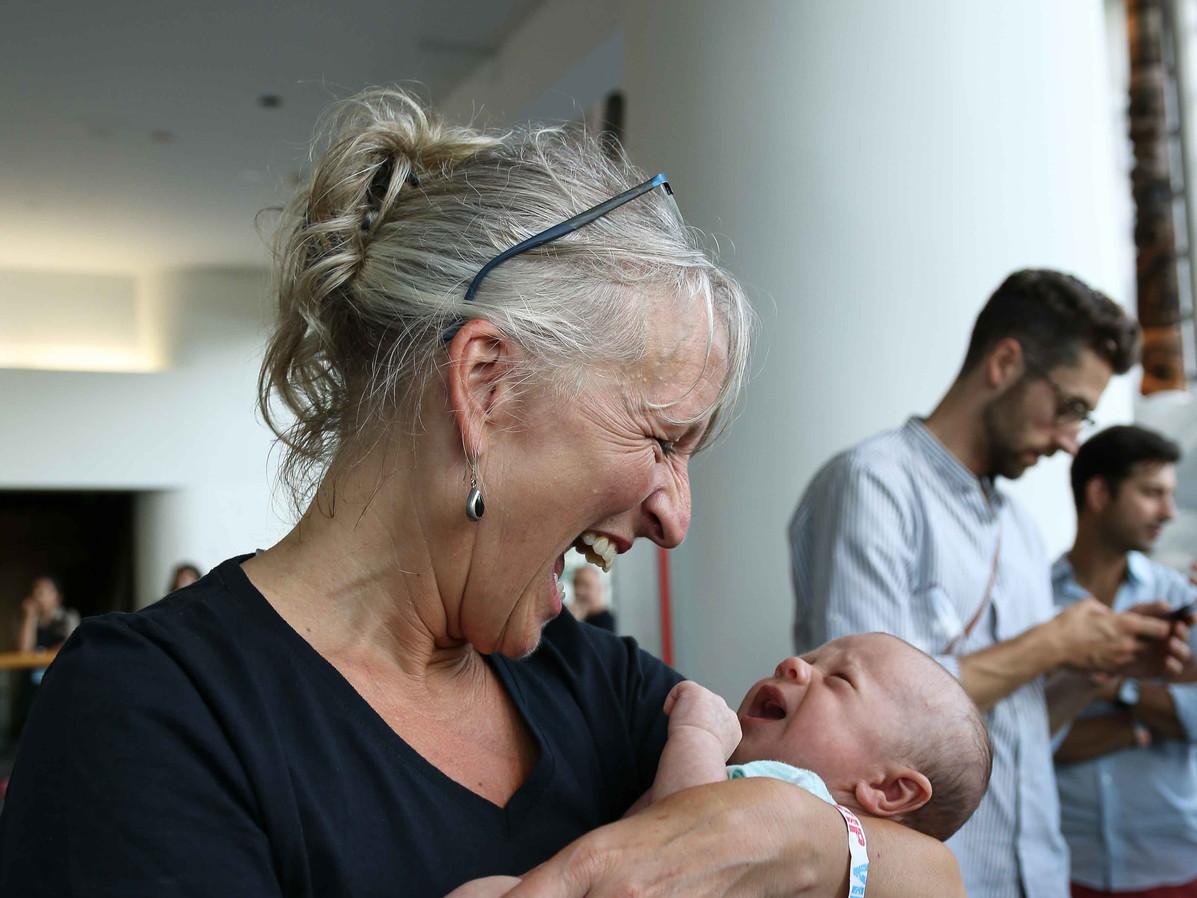 Véronique Rivest et un bébé
