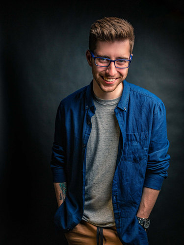 Photo de studio portrait souriant