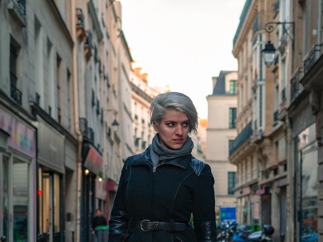Rue de Paris et fille parisienne