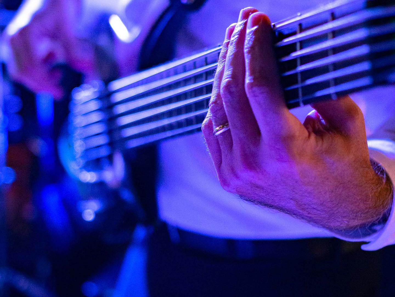 hands of groove