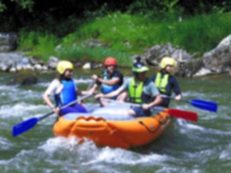caiac si rafting pe raurile Moldova s Bistrita romania