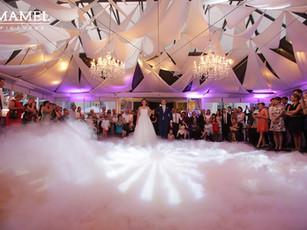 Jak zorganizować wesele z suchym lodem