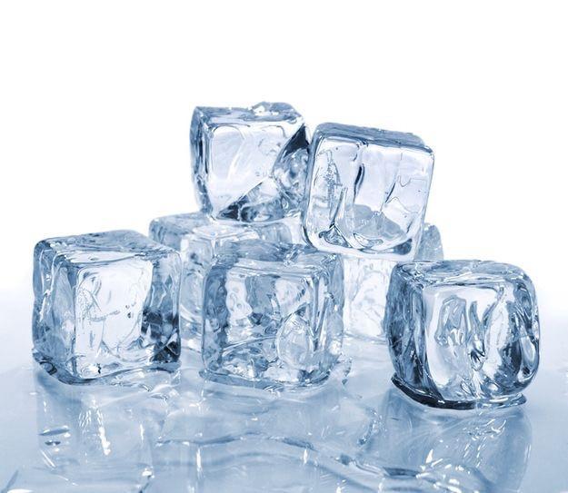 sprzedaż lodu w kostkach