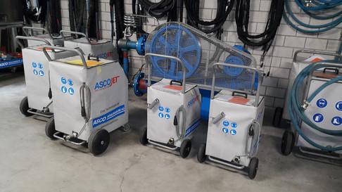 Wynajem maszyn do czyszczenia suchym lodem.