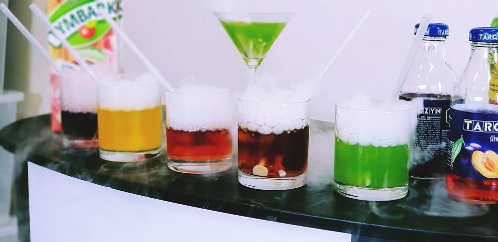 Sublimacja suchego lodu w napojach bezalkoholowych