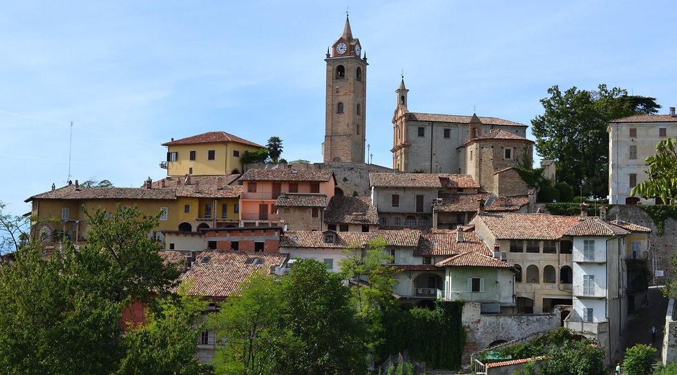 Tuscan%20town_edited.jpg