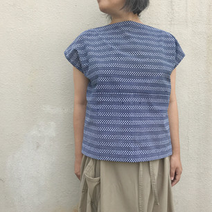 SOLD OUT: YUKATA fabric, lines and dots pattern on indigo