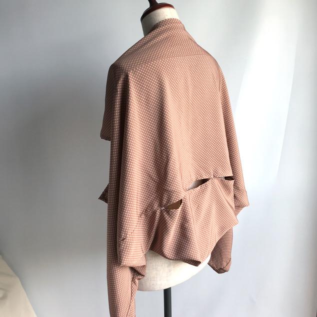 T-shaped 2way Bolero-Pullover -light brown fine patterned KIMONO silk, CHIRIMEN