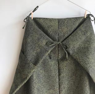 Square cloth Skirt -Greenish flowers Silk-Wool KIMONO fabric