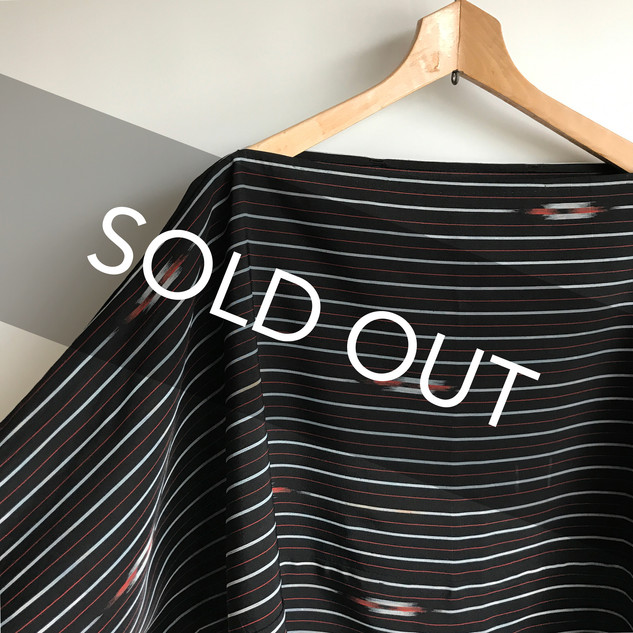 T-shaped 2way Bolero-Pullover -Black KIMONO Silk with KASURI-like pattern