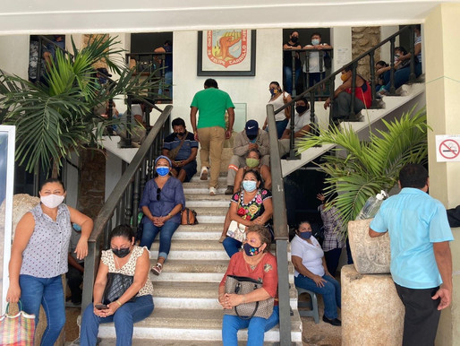 Ante la Falta de Pago, Burócratas Municipales Toman Palacio de FCP
