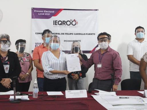 Entrega IEQROO a Mary Hernández Constancia como Presidenta Electa en FCP