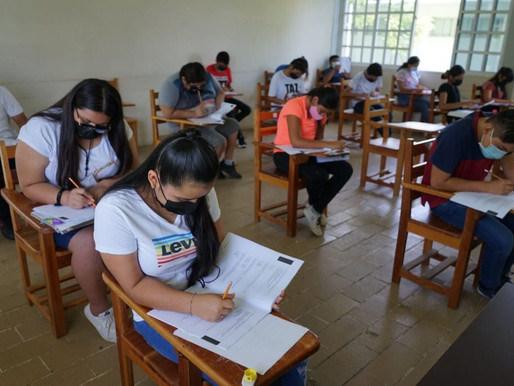 Escuelas Abrirán como Centros de Entrega de Libros y Asistencia a Padres de Familia