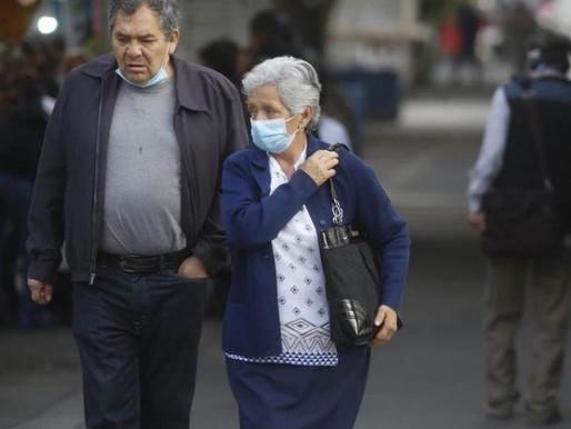A un año de la Pandemia de Covid-19, algunos adultos mayores se resisten a recibir vacuna
