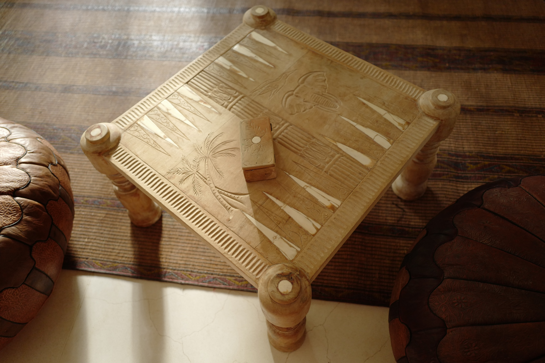 thepalmist-backgammon table
