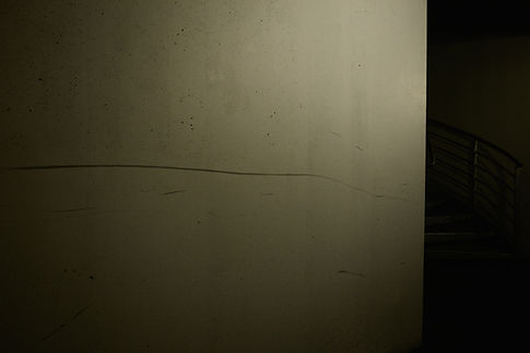 corridor entre les geôles et les salles d'audience, circuit détenus, palais de justice de Grenoble, photographie Nicolas Pianfetti
