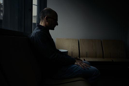 homme témoin d'une agression, palais de justice de Grenoble, photographie Nicolas Pianfetti