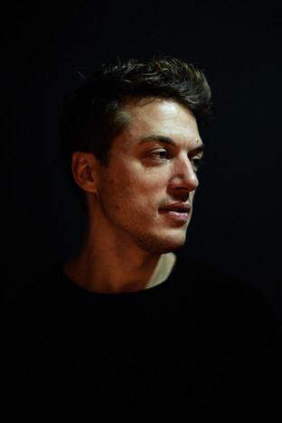 Jeremy Silvetti, danseur, compagnie Jean-Claude Gallotta, photo Nicolas Pianfetti