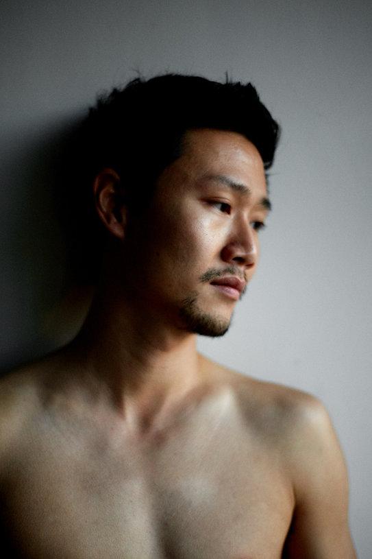 Fuxi Li, danseur, compagnie Jean-Claude Gallotta, photo Nicolas Pianfetti