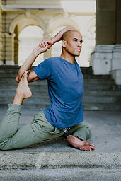 Tracy couleur Yoga.jpg