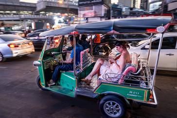 Touriste à tuktuk, Bangkok, Thaïlande, 2020.