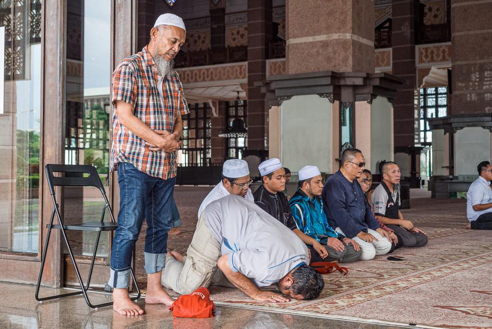 Asr — la prière de fin d'après-midi, Putrajaya, Kuala Lumpur, 2020.