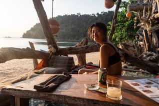 Terrasse de bar hippie, Koh Phayam, Thaïlande, 2020.