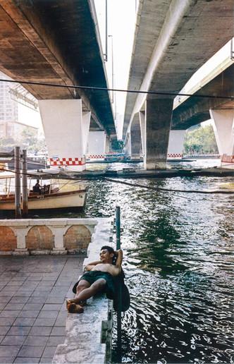 Sur les quais de Chao Phraya, Bangkok, Thaïlande, 2020.