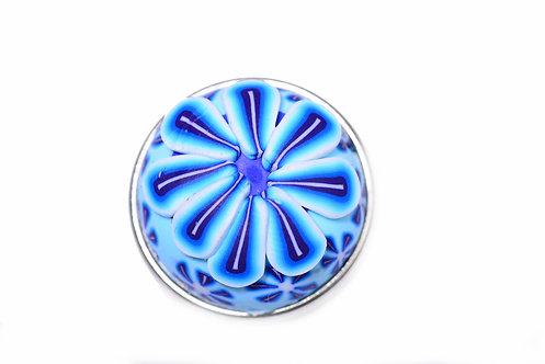 Bouton-pression fimo fleur bleu ciel