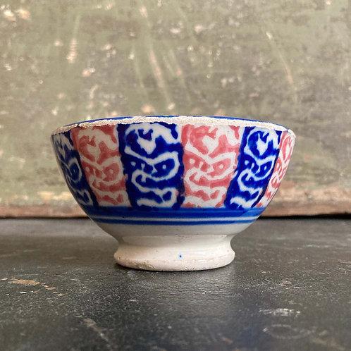 Antique spongeware bowl - 'Blue and red'