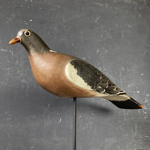 SOLD - Vintage wooden pigeon decoy - Harry Boddy