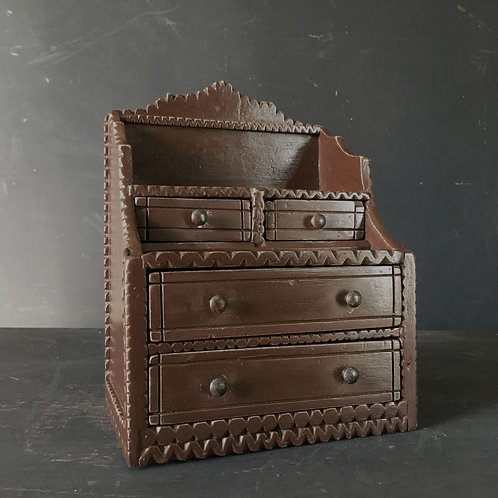 NOW SOLD - Small 'tramp art' drawers chest - 'brown'