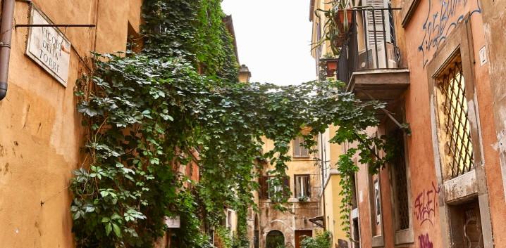 Spaziergang durch die historischen Gassen Roms mit Insiderwissen & Geheimtipps