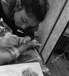 אדוה דהן, מקעקעתמקצועית בסטודיו ז'ובינו קעקועים ופירסינג
