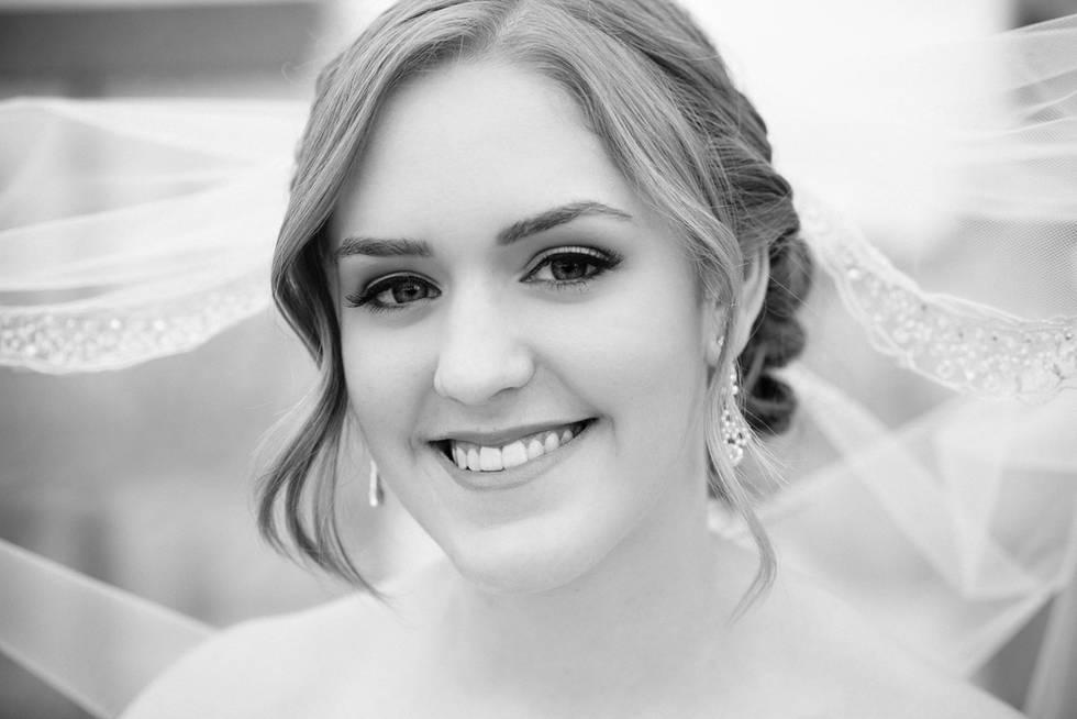Web-MaryCyrusPhotography-Bridal-10.jpg